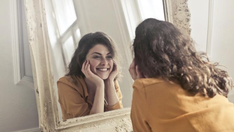 Оцветяване на зъбите: причини и доказани решения