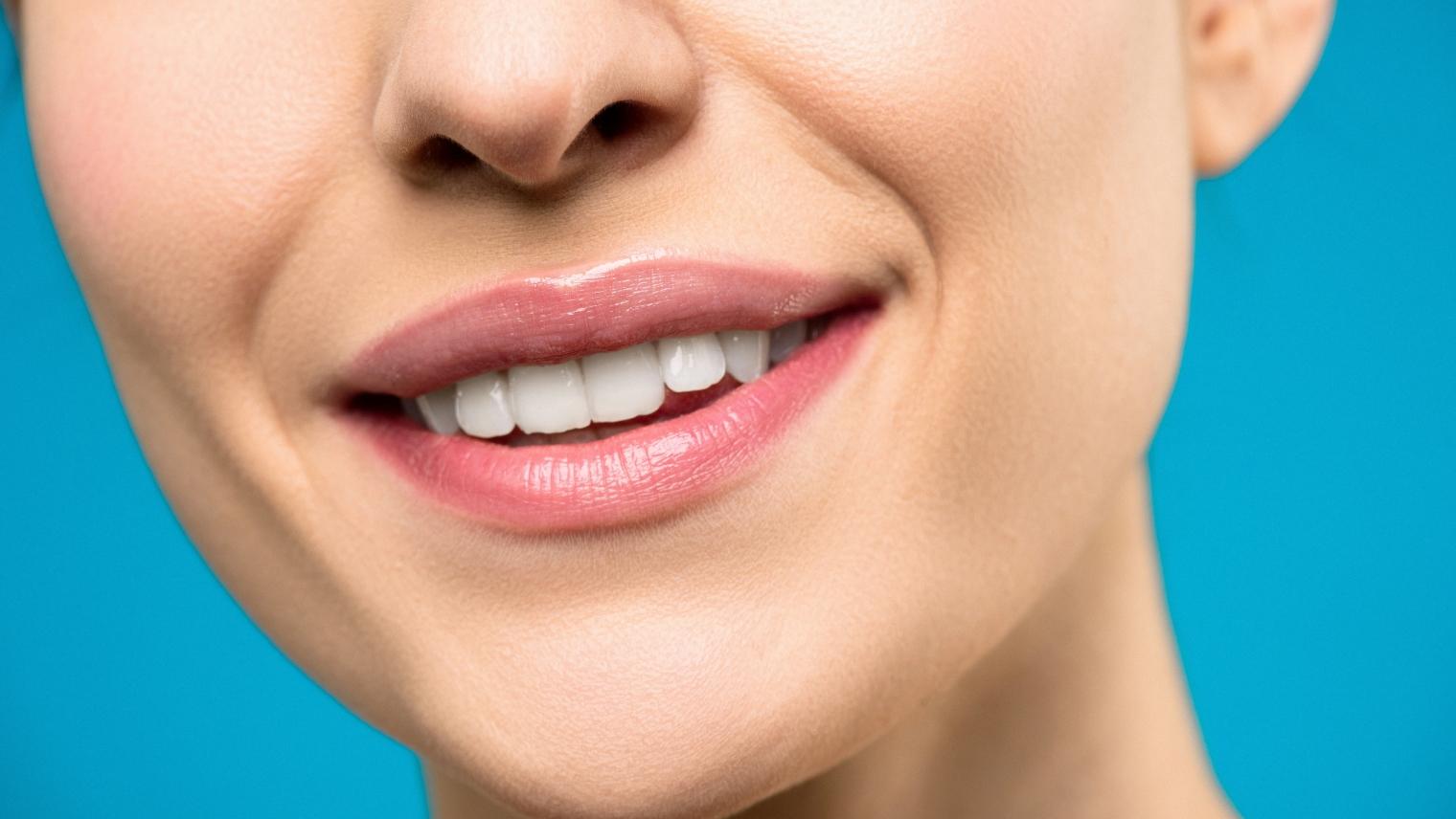 Зъбни коронки и зъбни мостове